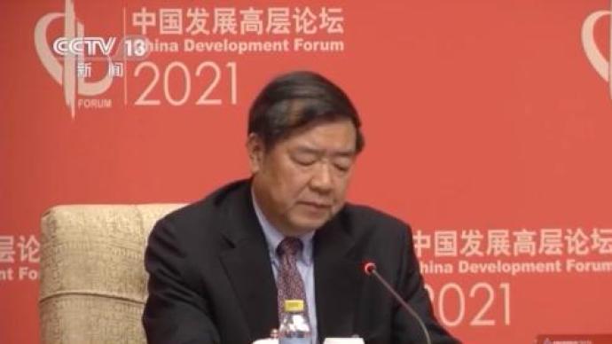 """国家发改委主任何立峰谈前两个月经济形势:连说三个""""很强"""""""