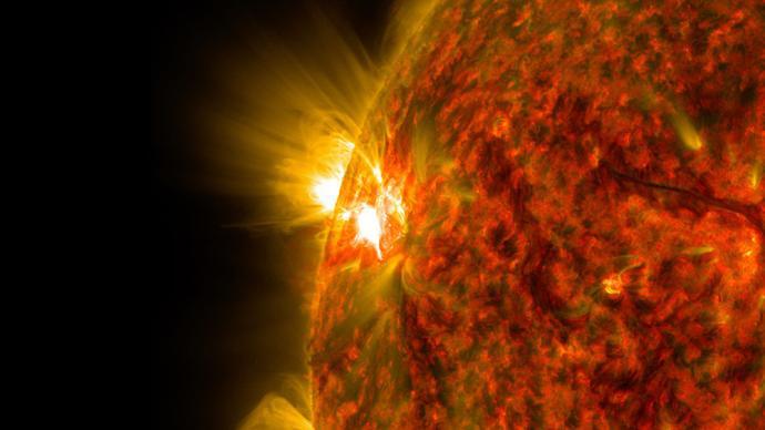 科研團隊揭示太陽超級耀斑輻射擾動地球空間