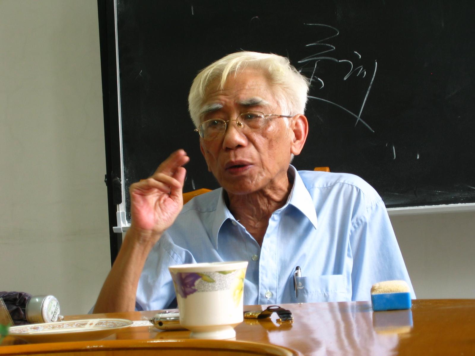 """蔡鸿生先生在中外关系史研究生课程""""学理与方法""""讲课(最后一课),殷小平摄。"""