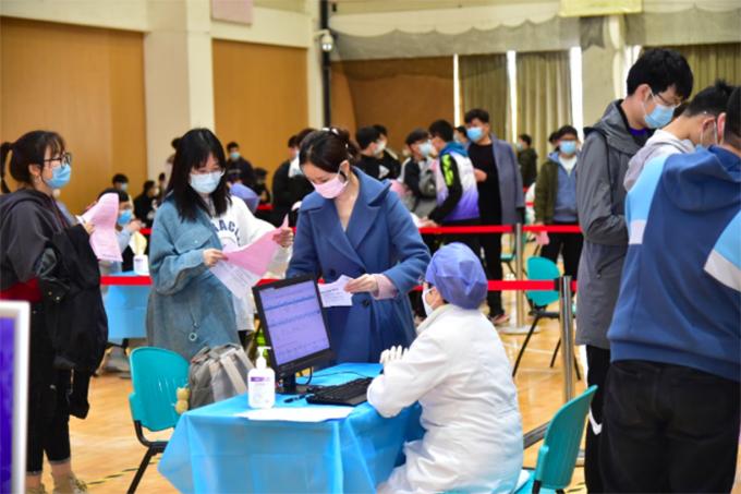 北京邮电大学新冠疫苗接种工作现场。 北邮官方微信公众号 图