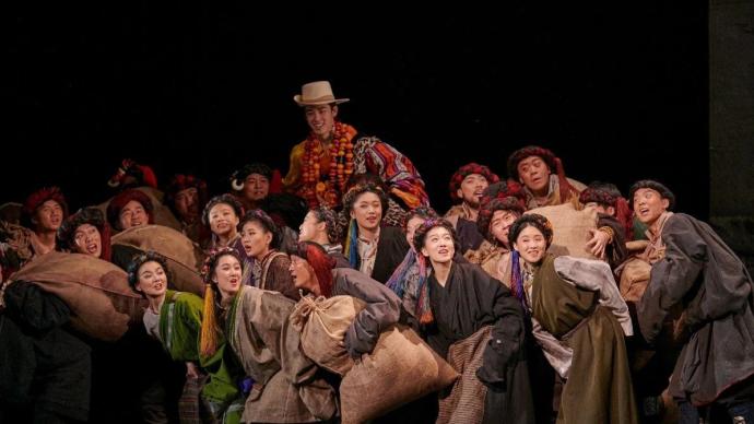 """阿來首肯的《塵埃落定》北京首演:""""豐富、銳利、智慧"""""""