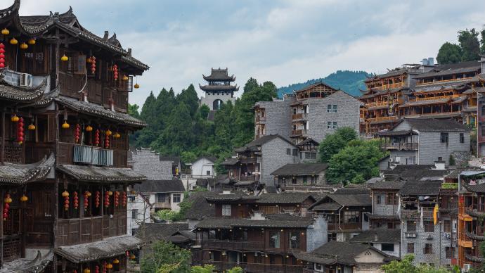 坐擁芙蓉鎮的湖南永順公布去年游客接待量,逆勢增長2.2%