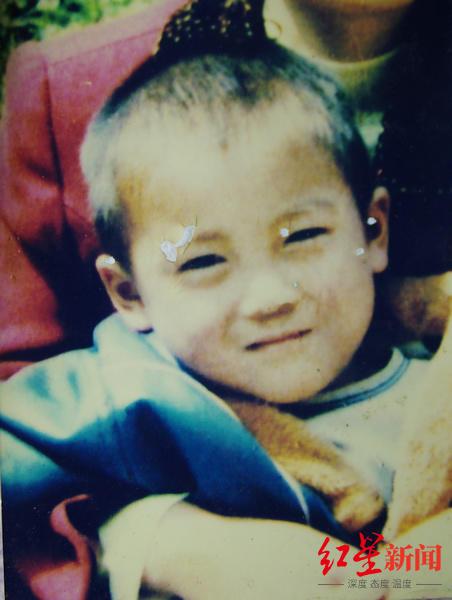 王凤凯被拐卖前的照片。