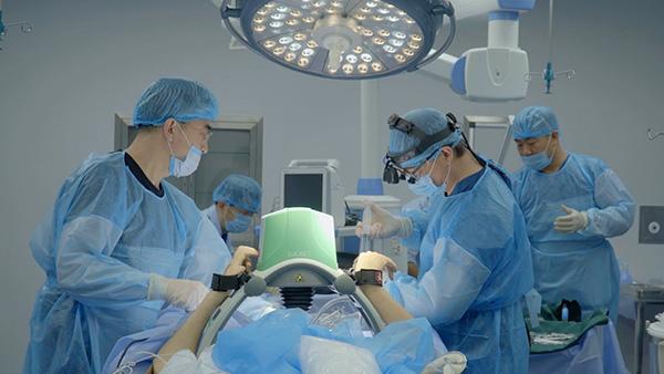 冷冻人体手术过程 资料视频截图