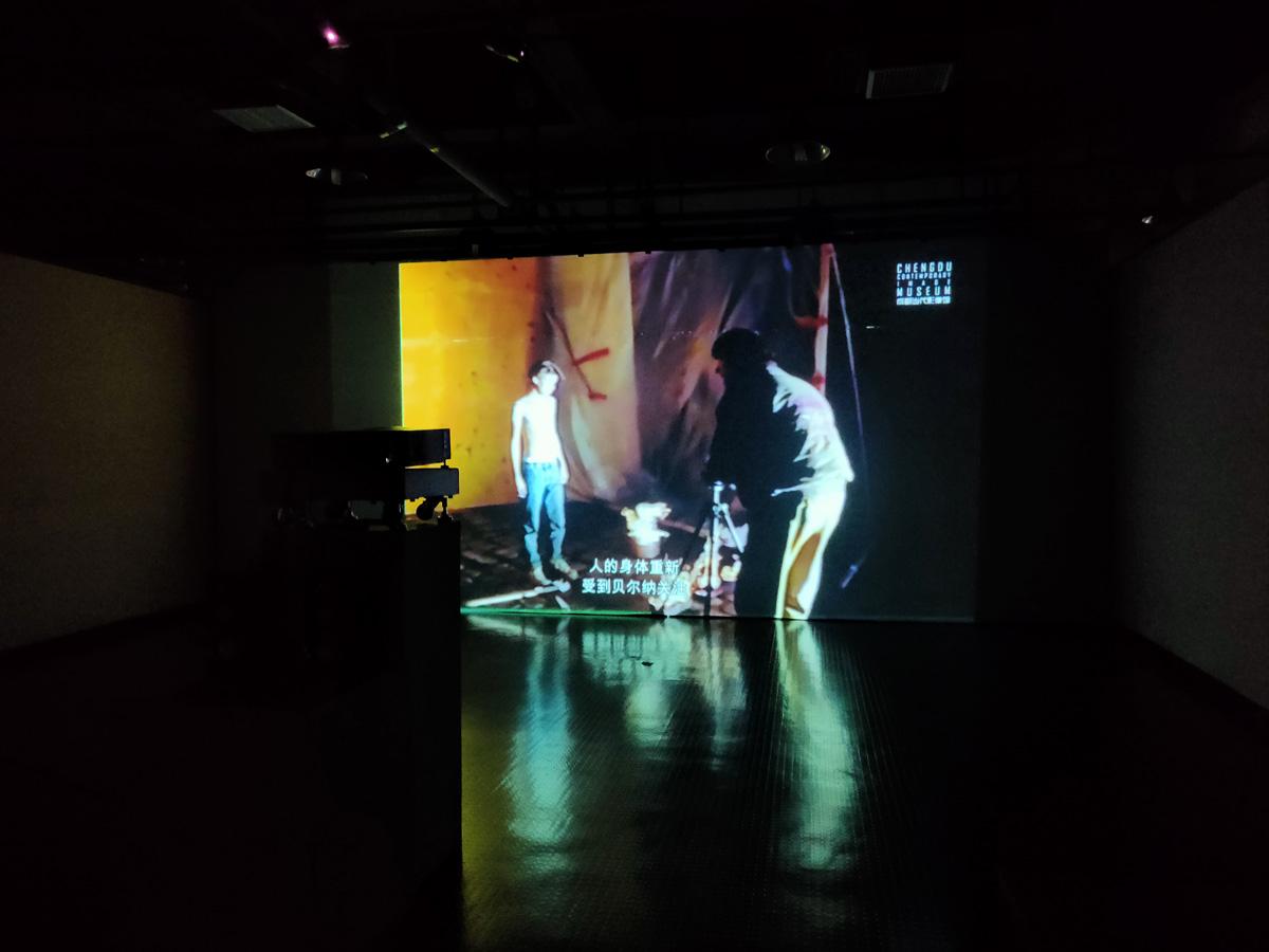 展览现场 贝尔纳·弗孔 影像纪录片
