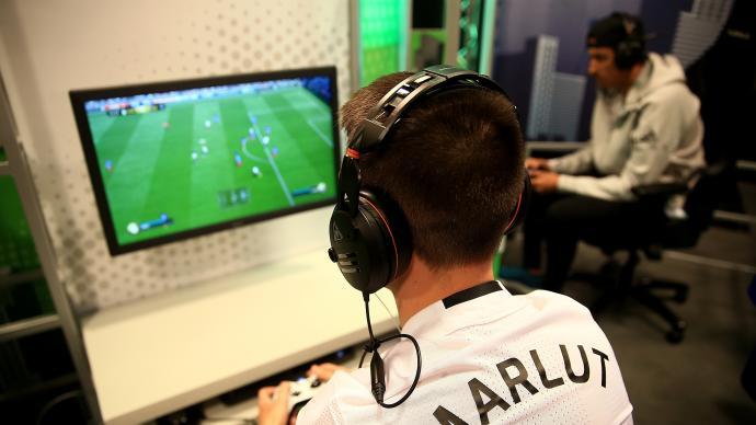 FIFA足球伴随几代人成长,它是电竞解锁奥运大门的钥匙?