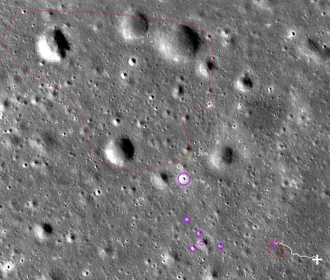 图2:最近玄武岩覆盖区域(红色线条区域)。