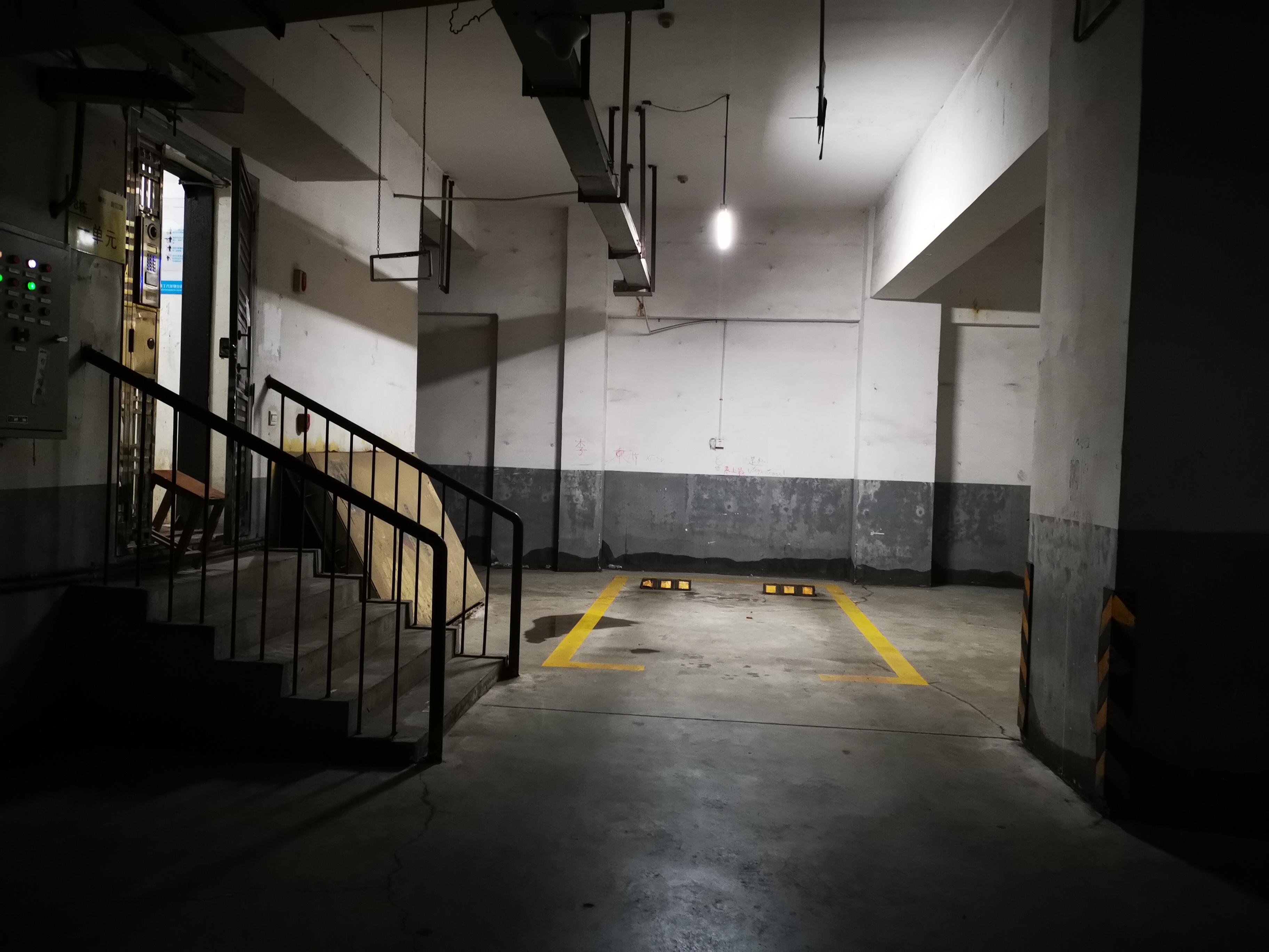 周春梅遇害的小区地下车库。澎湃新闻记者 谭君 图