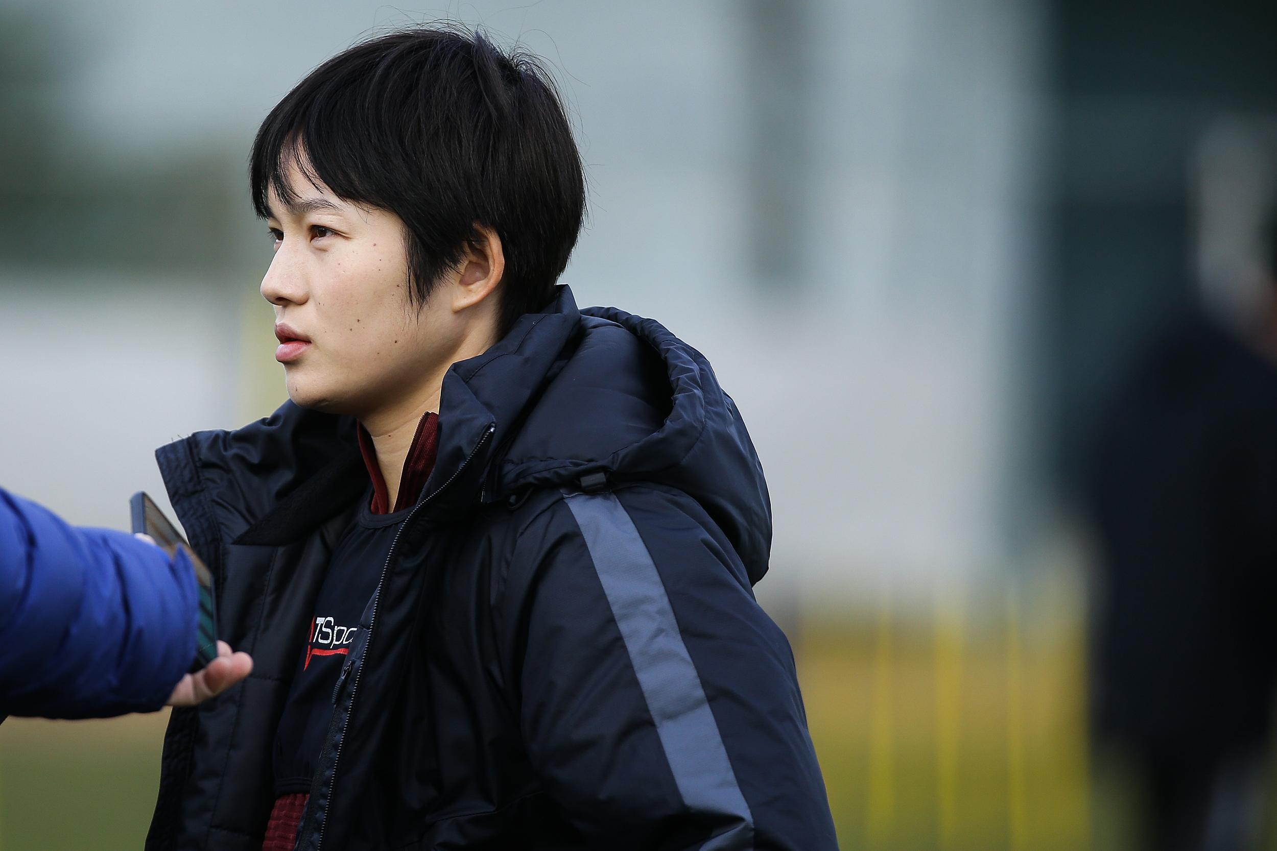 张馨在生子后毅然重回球场。