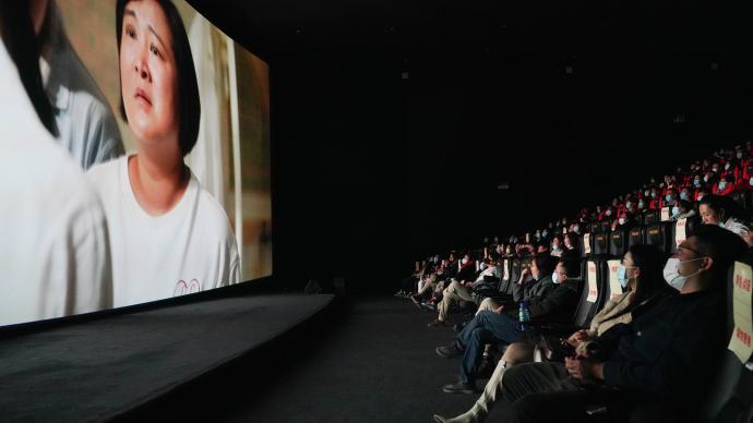 《你好,李煥英》再度延長上映,累計票房已超54億元