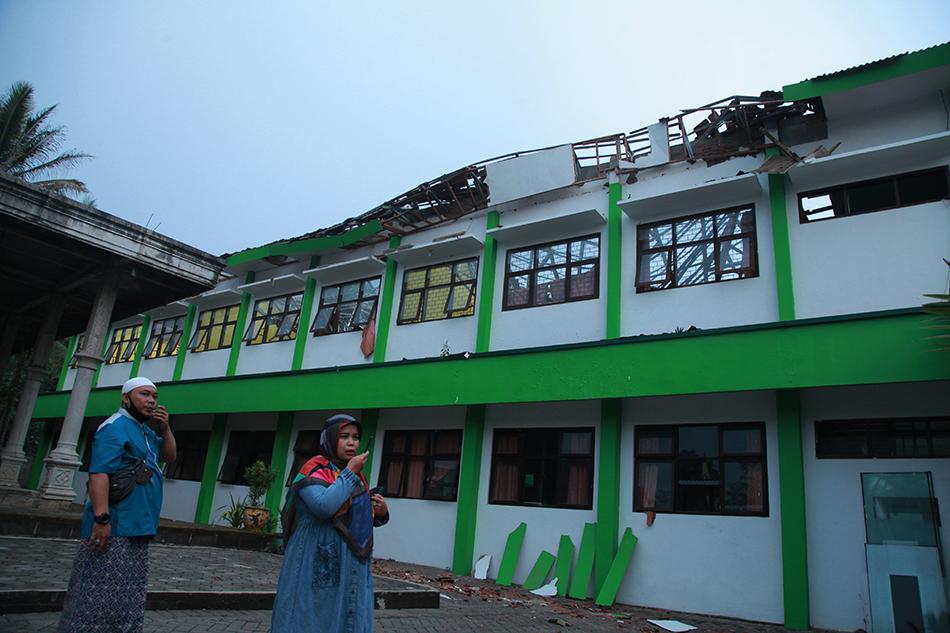 当地时间2021年4月10日,在印度尼西亚东爪哇省玛琅在地震中受损的学校。