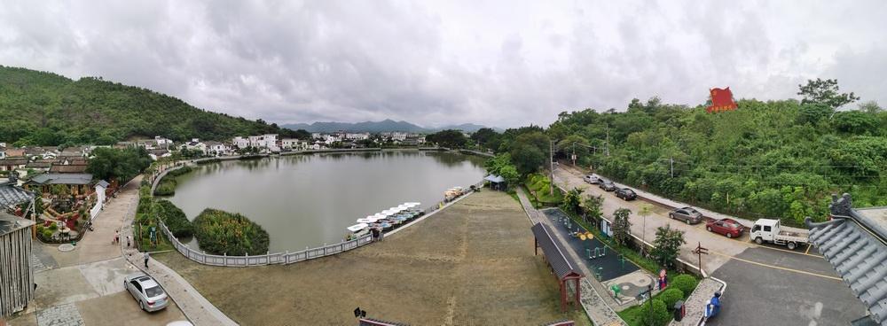 改造后的新山村,村容村貌焕然一新,曾获评广东省十大美丽乡村。 新山村供图