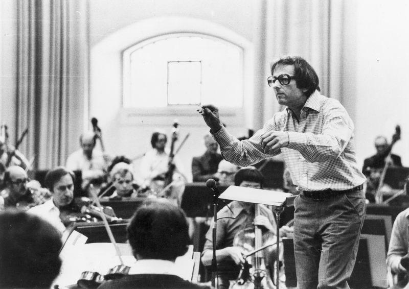1979年6月18日,指挥家、作曲家安德烈·普列文,和伦敦交响乐团合作