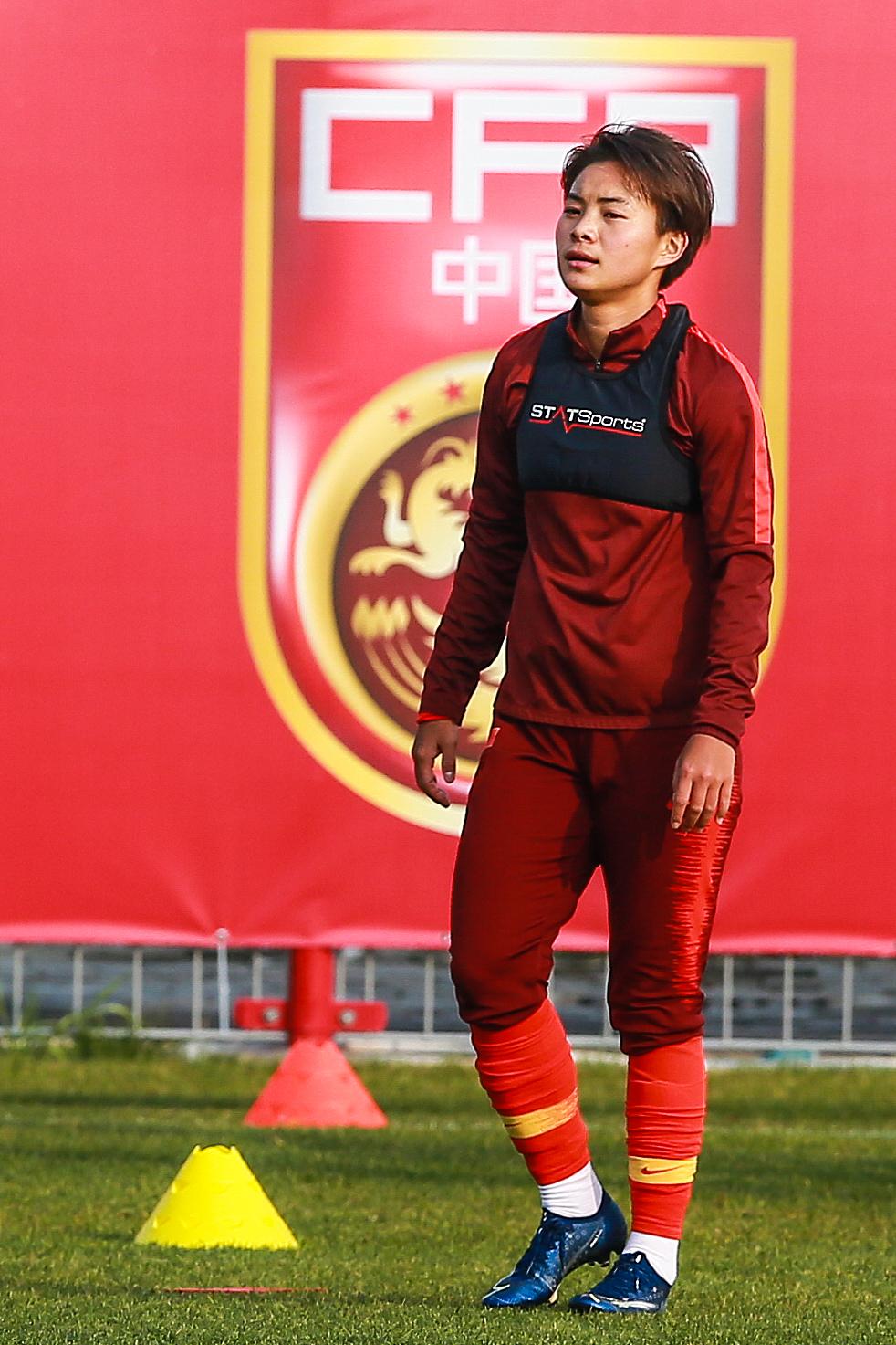 王霜重回中国女足训练。