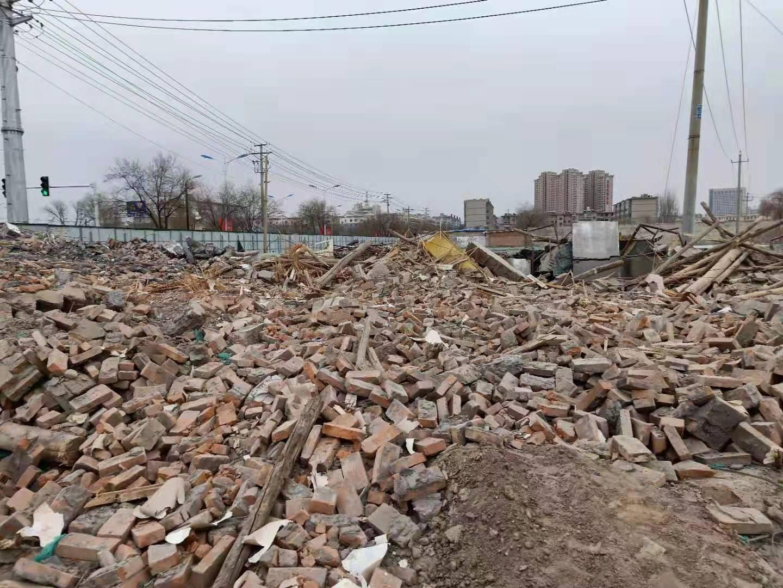 穆燕珍的房子被拆后残留的废物。受访者供图