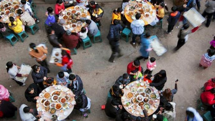 舌尖下的中国|以食为媒的邻里关系,正在农村消失