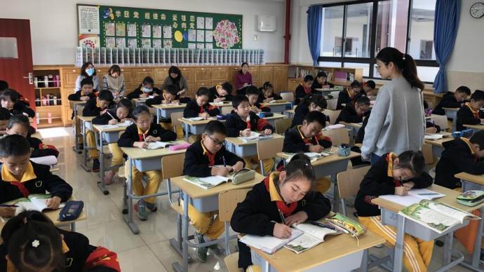 优秀指导老师唐艺:将生活的气息融入到作文的字里行间