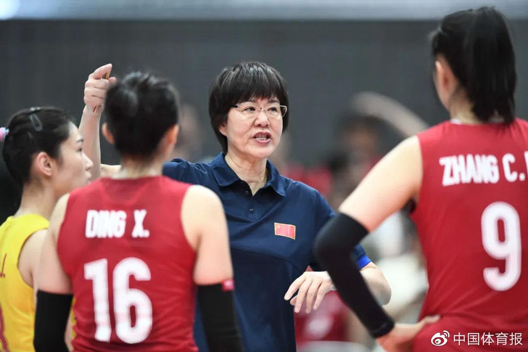 星启娱乐新闻:郎平:我也在抓紧时间锻炼,奥运时要自己上手给队员抛球陪练