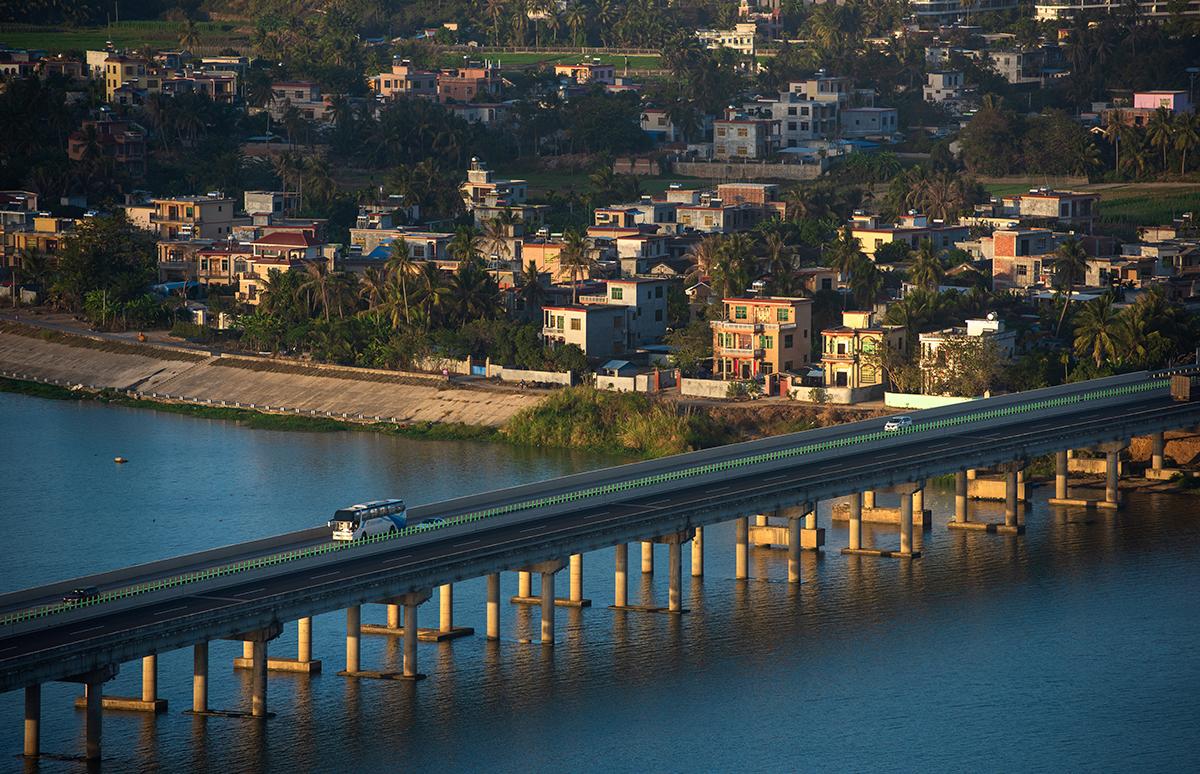 海南环岛高速公路陵水大桥(2019年1月10日摄)。