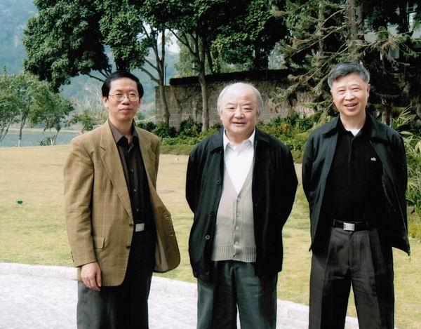 2004年,陈平原、钱理群、黄子平在汕头大学合影