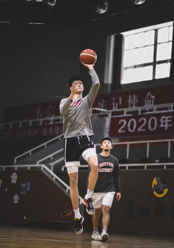 曾凡博将一步步靠近NBA的梦想。