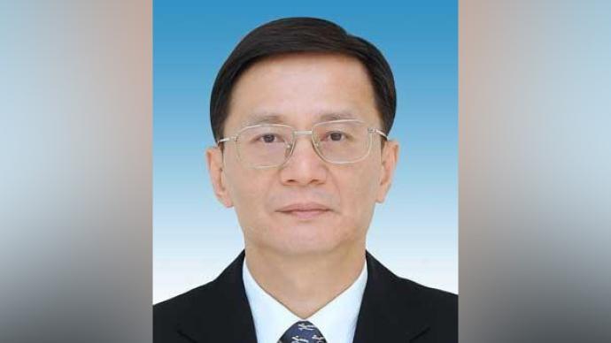 黄伟任东风汽车集团有限公司董事、党委副书记