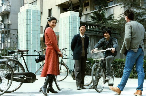 1984年,翟永明、欧阳江河、张枣在成都。