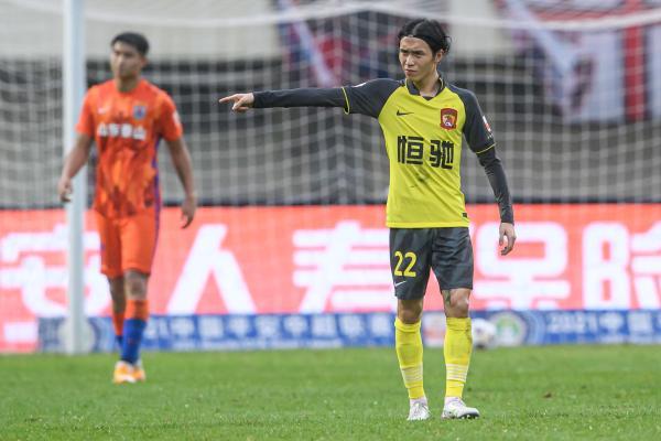 广州队也有张修维等处于当打之年的新生代球员。