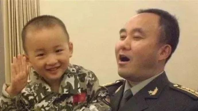 """新任西藏军区司令员到位:曾率队救出过""""敬礼娃娃"""""""