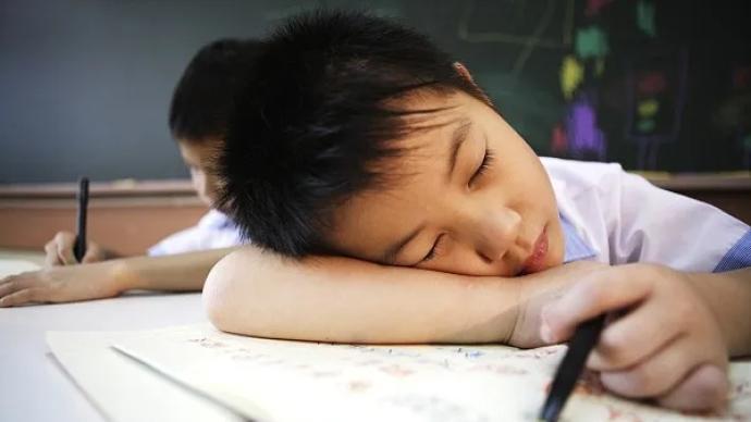 """北京版""""睡眠令""""来了,学校不得利用晨检时间开展学科教学"""