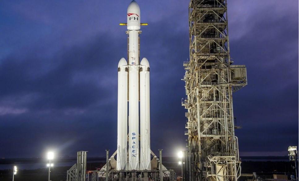 """""""重型獵鷹""""火箭也將""""門戶""""月球空間站建設中發揮作用。"""