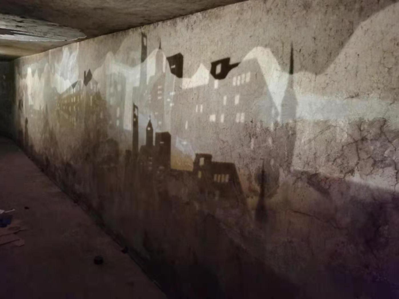 《回声:来自自然与城市的问候》序曲展副场地,闲下来合作社B区深洞。 朱纪蓉摄