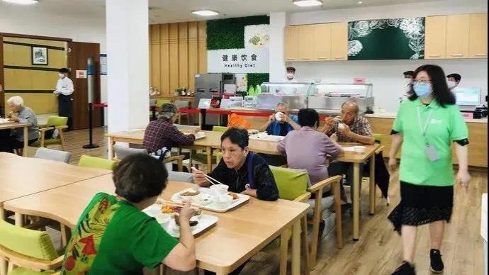 人工智能炒菜、智能腕表提供應急救助,上海智慧養老場景落地