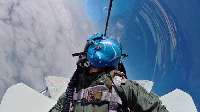 海軍2名飛行員成功處置一起戰機發動機空中停車特情