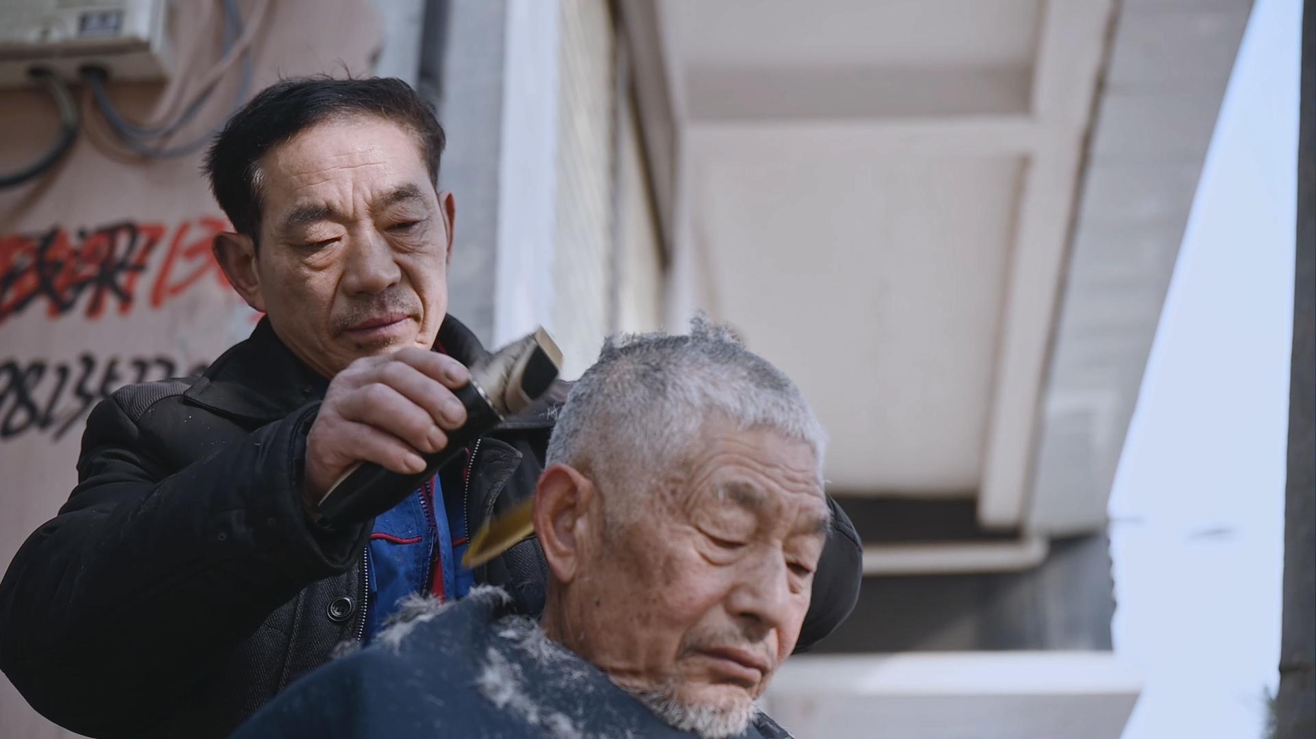 韩仕梅丈夫。 澎湃新闻记者 柳婧文 曾茵子 图
