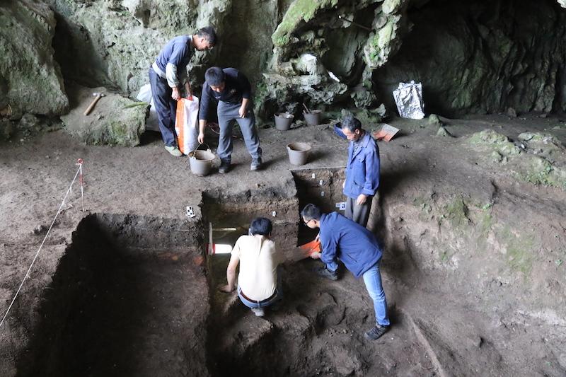 招果洞遗址现场发掘图