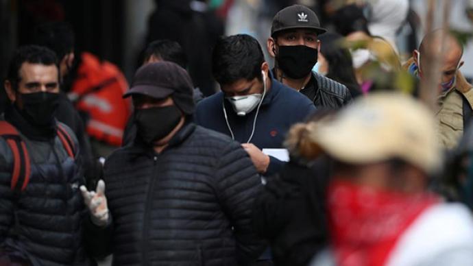 """为疫情纾困三度预支养老金,智利正在拥抱""""左翼民粹主义""""?"""