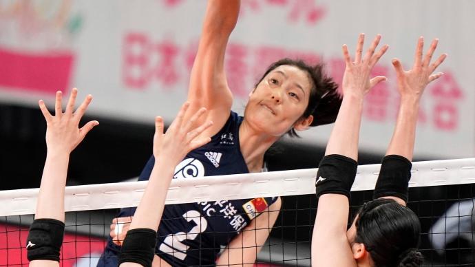 """时隔580天""""复出""""首秀获胜!中国女排3比0横扫日本女排"""