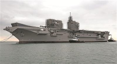 """资料图片:意大利 """"的里雅斯特""""号两栖攻击舰"""