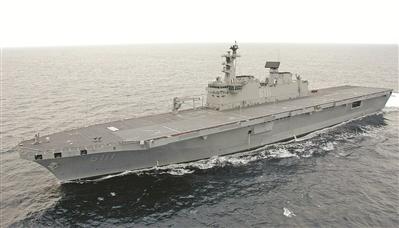 """资料图片:韩国""""独岛""""号两栖攻击舰"""