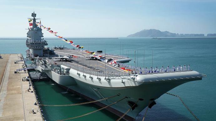 中國海軍組織山東艦航母編隊在南海訓練