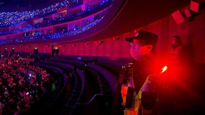 上海世博园区三馆同日齐开,浦东公安增派警力确保道路通畅