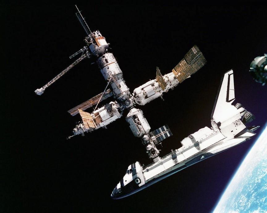"""美国也参与了苏联/俄罗斯""""和平""""号空间站项目。"""