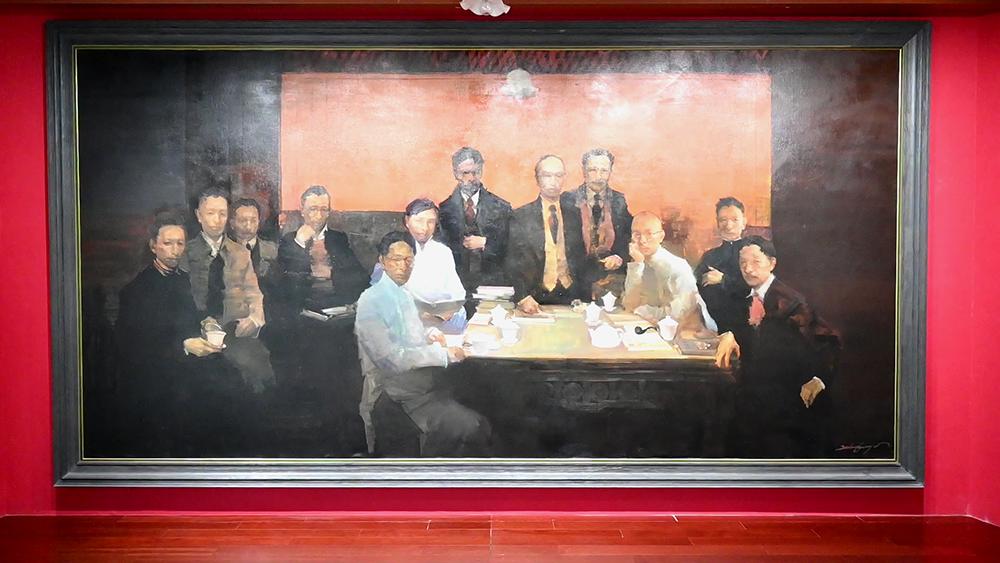 基本陈列展厅重现《中国共产党第二次全国代表大会第一次全体会议》油画。澎湃新闻记者 张呈君 图
