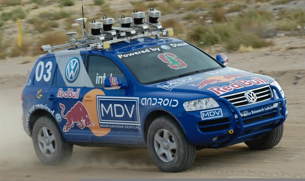 """2005年第一个完成""""DARPA大挑战""""无人驾驶竞赛的汽车"""