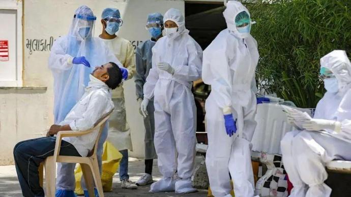 世卫:上周全球新增新冠病例超570万例,近一半来自印度