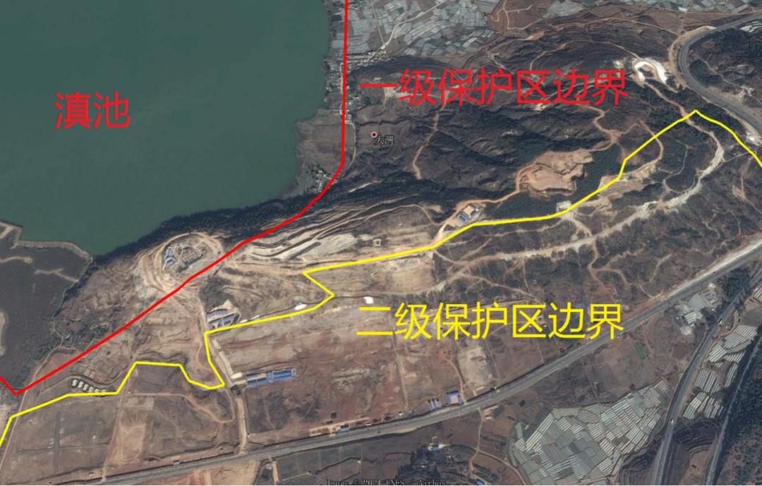 2015年1月卫星地图显示,长腰山区域启动开发建设(图片来源:生态环境部)。