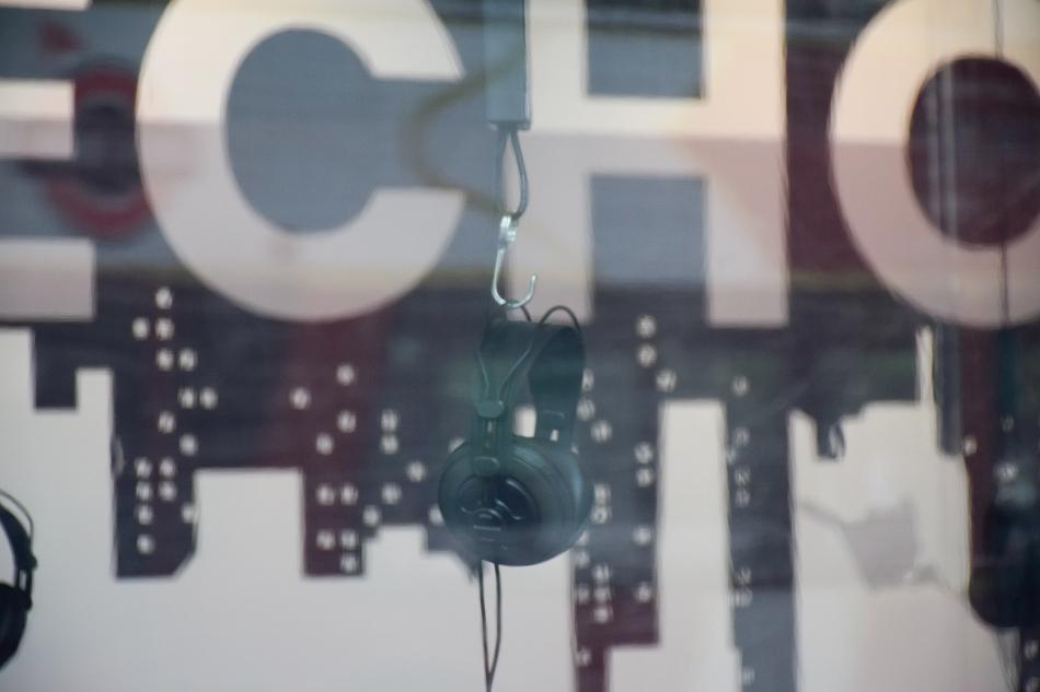 《回声:来自自然与城市的问候——序曲展》主展场,上海当代艺术博物馆艺术亭台。 胡绮轩 摄 笛德侯文化实验室 供图