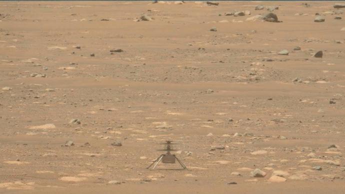 """""""机智""""号火星上飞行声音公布:风声里夹着嗡嗡响"""