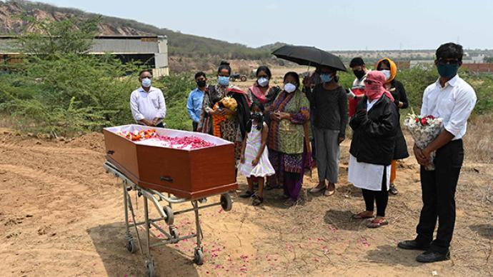 印度第二波疫情为何更凶猛?节日、选举等大聚集,医疗基础差